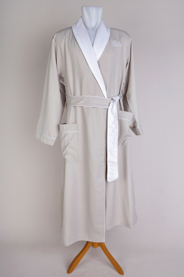 Connoisseur Bathrobe with Raffles Palm