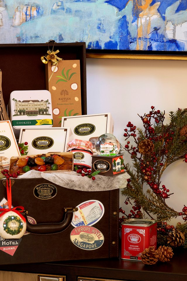 Raffles Yuletide Treats Hamper