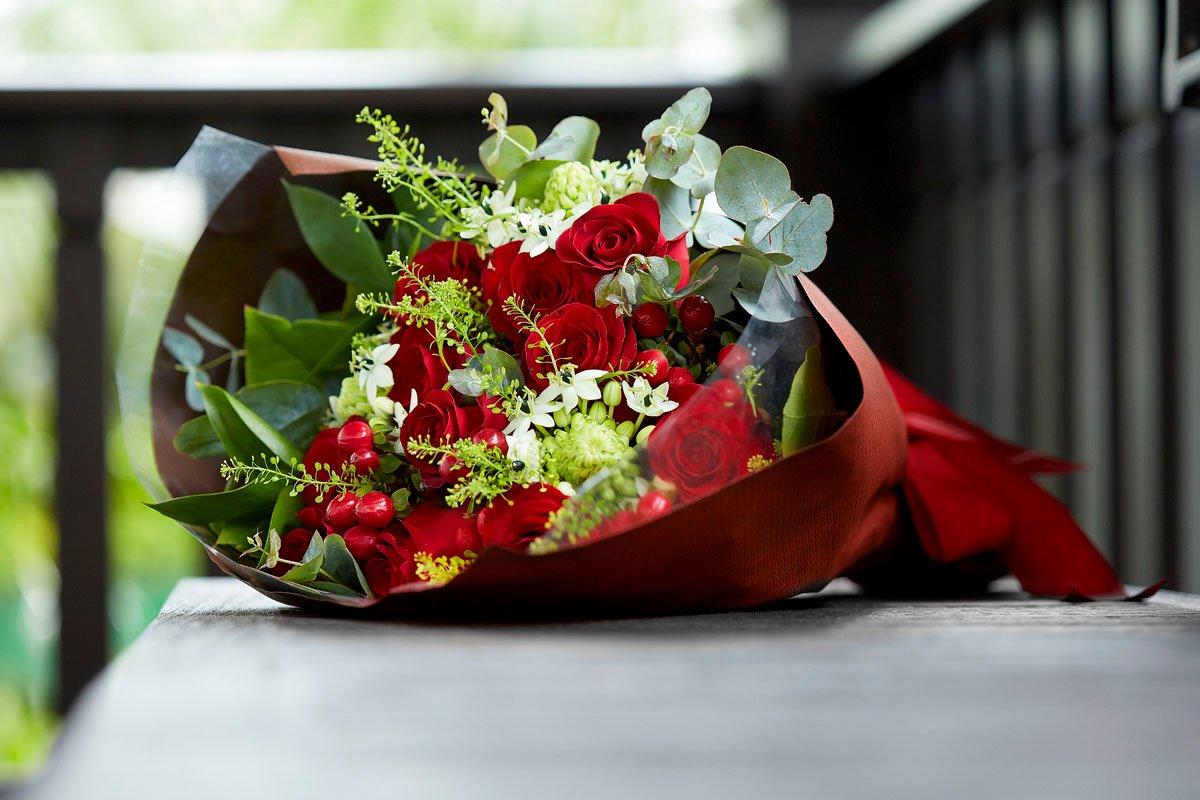 Resplendent Roses Bouquet