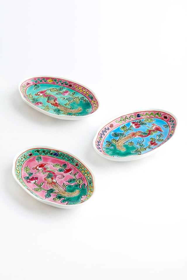 Porcelain Hand-painted Towel Plate