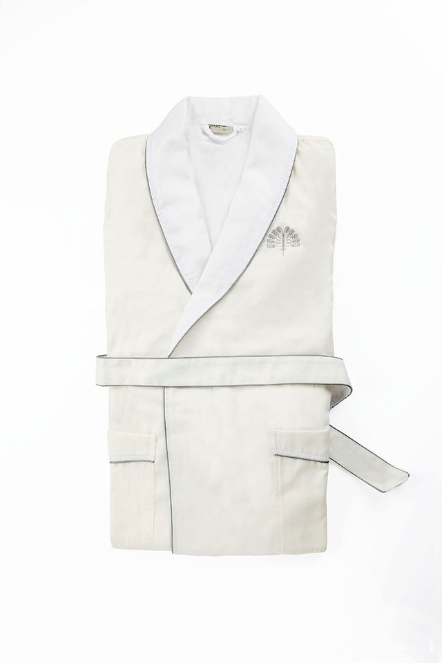 Raffles White Palm Bathrobe